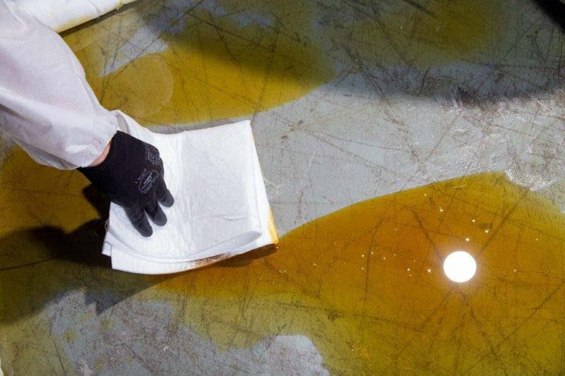 Kit para contenção de vazamento de óleo